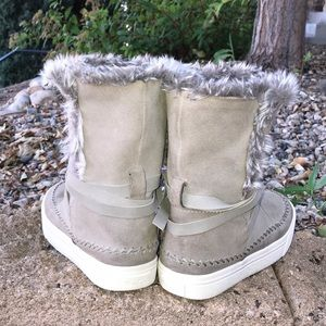 Toms Shoes - Toms Fur Boots